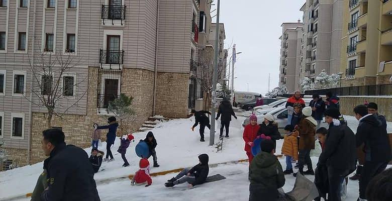 Gaziantep'te  Doyasıya Kar keyfini çıkardılar