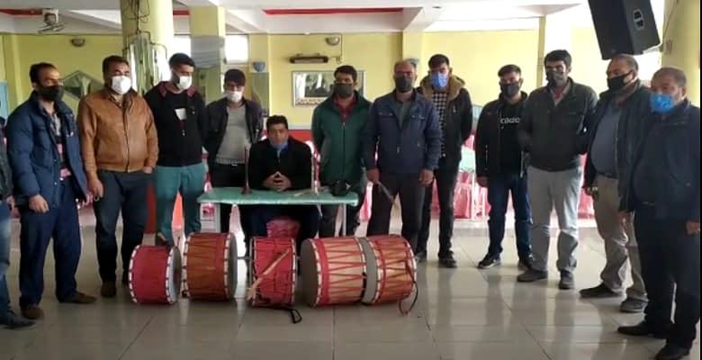 Pandemide işsiz kalan davulcular yardım bekliyor